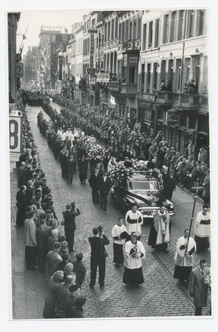 Originele foto's van de begrafenis van Stan Ockers